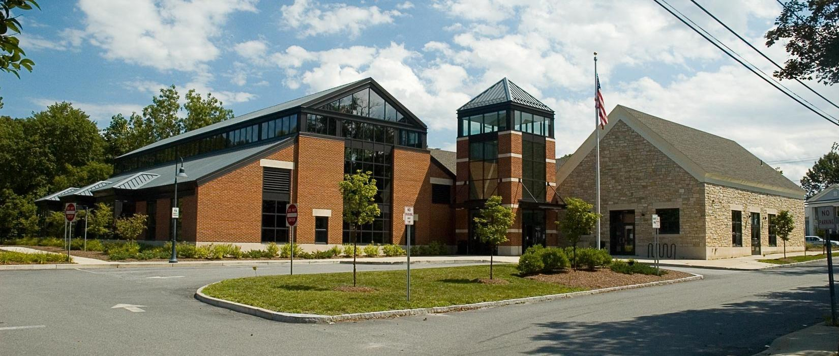 Link to Blackstone Public Library Home Page