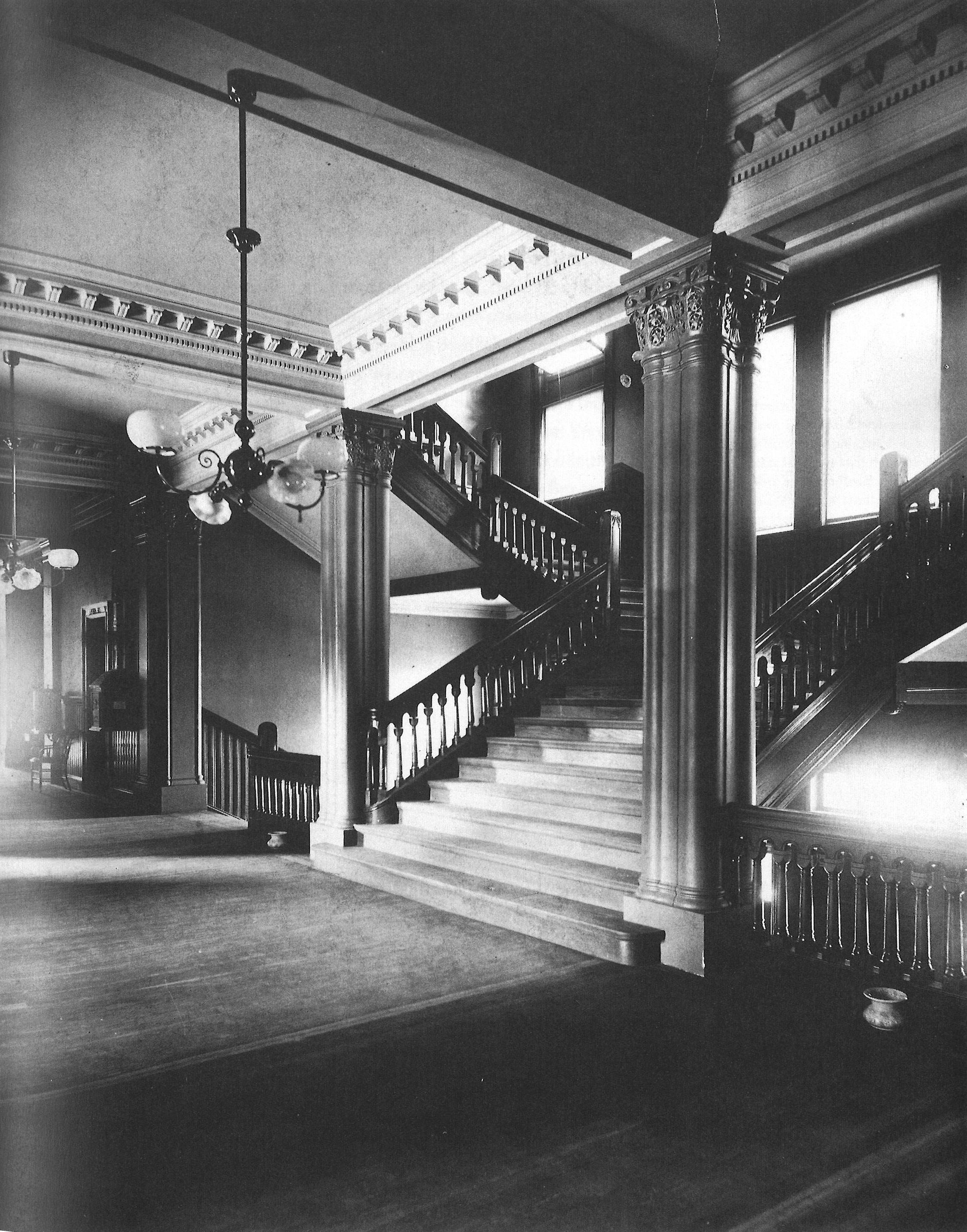 Cambridge City Hall Interior (Historic)